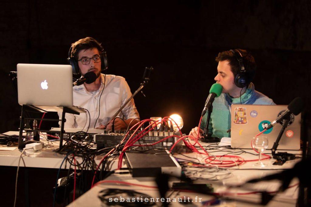 Juan et Ilias (Live au Lavoir Moderne Parisien) - Pardon Maman